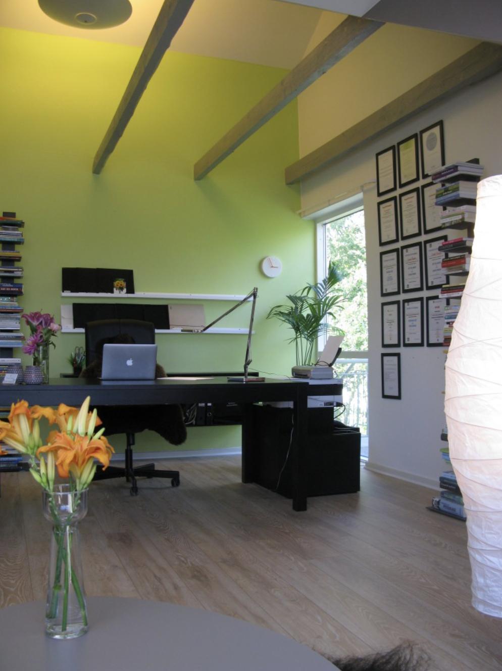 Oplevelsen af boligglæde giver et styrket arbejdsmiljø på arbejdspladsen.