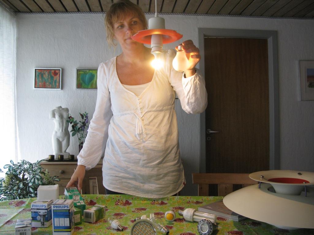 Jeg har prøvet rigtig mange forskellige pære/lyskilder af i min pH lampe. Det har meget stor betydning for lampens lyskvalitet, hvilken pære/lyskilde der bruges i de forskellige lamper.