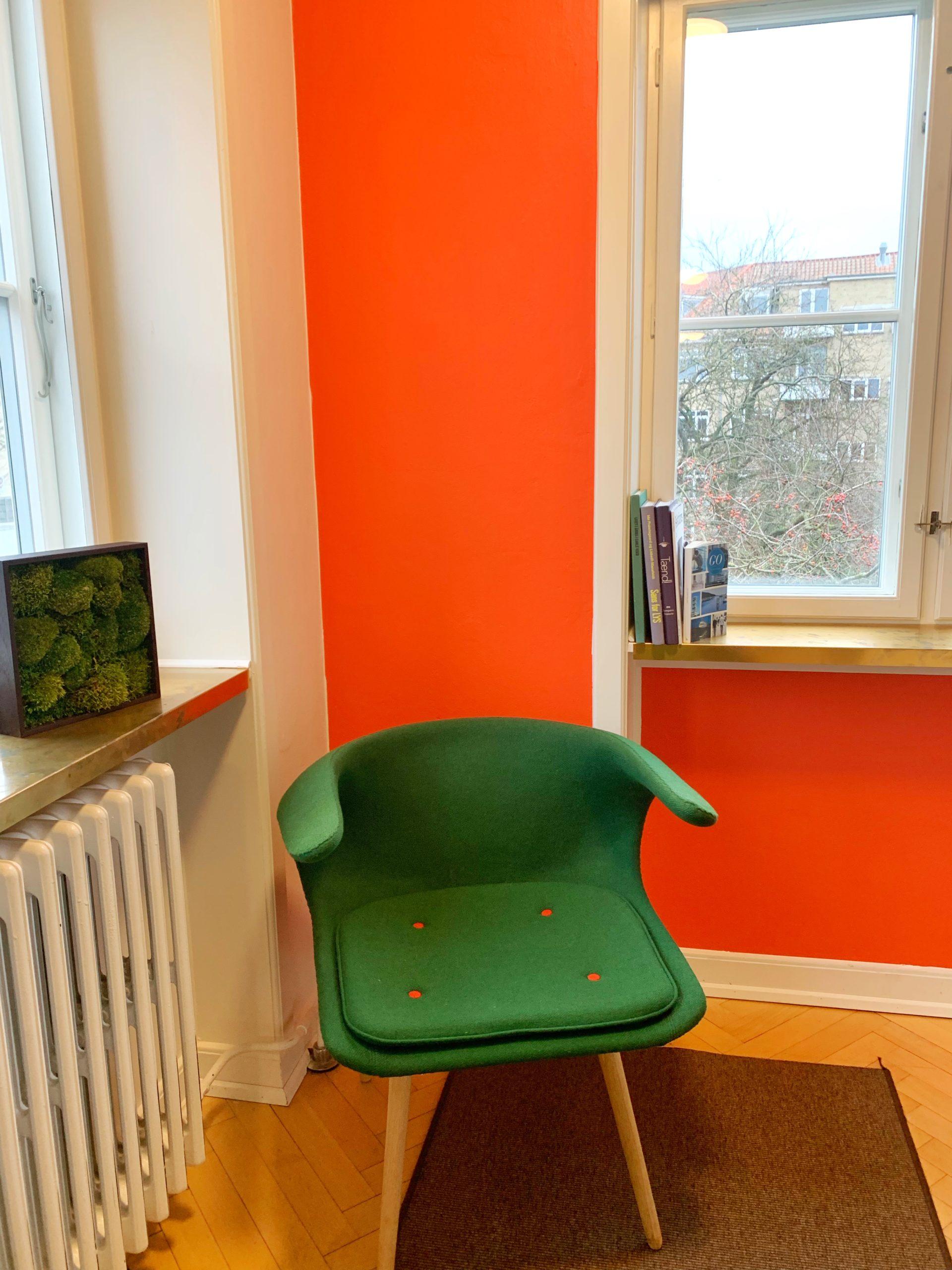 En blød stol vil virke venlige og beroligende